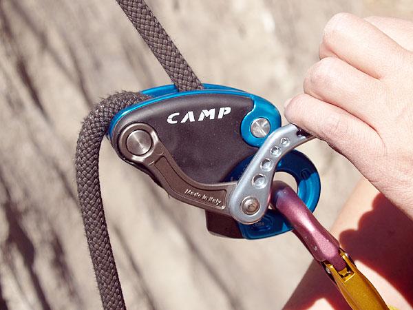Klettergurt Camp : Camp matik sicherungsgerät halbautomat von klettern und