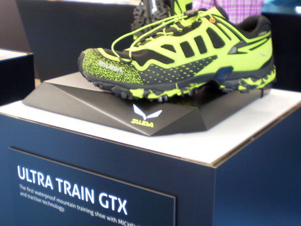 Einen ISPO Award bekam Salewa für den Ultra Train GTX